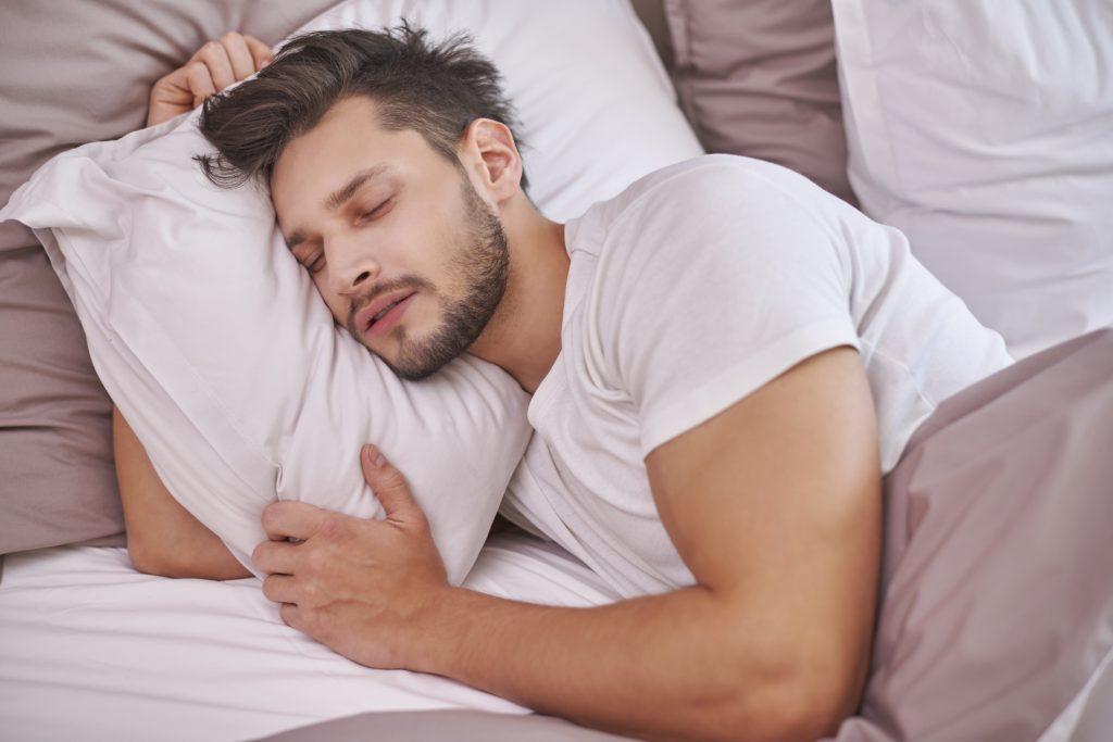 Slaapstoornis; slaapproblemen; slapeloosheid; inslapen; uitslapen; doorslapen; slaapoefentherapie; slapen; slaap; vermoeidheid; vermoeidheidsklachten; slaperigheid; wakker; bioritme; bioritmeproblematiek; nachtmerries; rusteloze benen; concentratieproblemen; oefentherapie